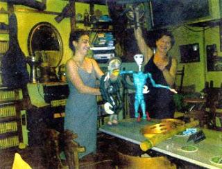 Μουσικό κουκλοθέατρο στην Pub Old House (10/8/11)