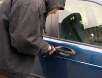 Σύλληψη 3 αλλοδαπών για κλοπές σε αυτοκίνητα