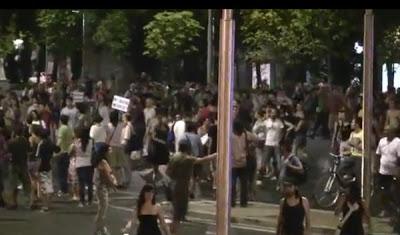 Ανακατέλαβαν την Πουέρτα ντελ Σολ οι «Αγανακτισμένοι» της Ισπανίας (video)