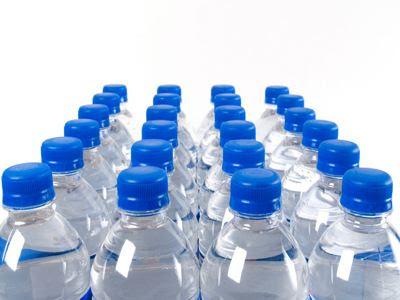 Εξαιρείται το απλό εμφιαλωμένο νερό από την αύξηση του ΦΠΑ