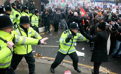 Μεγάλες ταραχές στο Λονδίνο