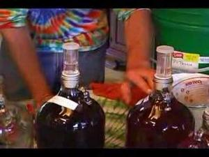 ΕΑΣ: Συμβουλές για την παρασκευή σπιτικού κρασιού