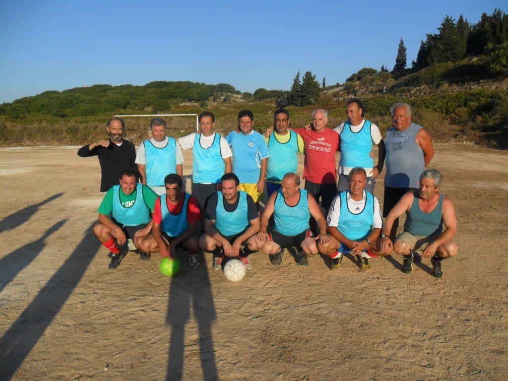 Μικροί, μεγάλοι και… μεγαλύτεροι παίζουν μπάλα στα Δαμουλιανάτα