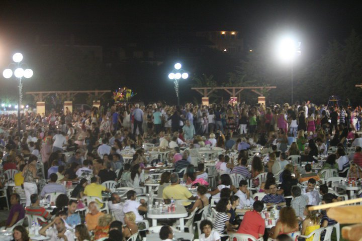 Ξεκινάει η Γιορτή της Ρομπόλας στα Φραγκάτα (17 & 18-8-2012)