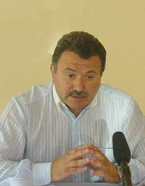 Γαλιατσάτος: Ξεπουλάνε όλα τα αεροδρόμια της περιφέρειας Ιονίων