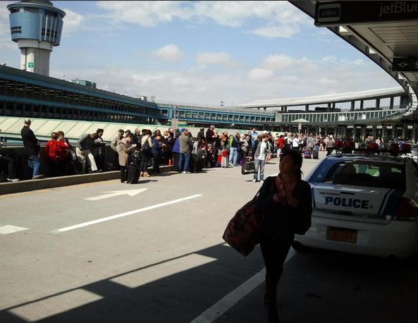 Εκκενώθηκε το αεροδρόμιο LaGuardia της Νέας Υόρκης